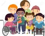 49921540-illustration-de-stickman-d-une-infirmière-prenant-soin-d-enfants-handicapés.jpg
